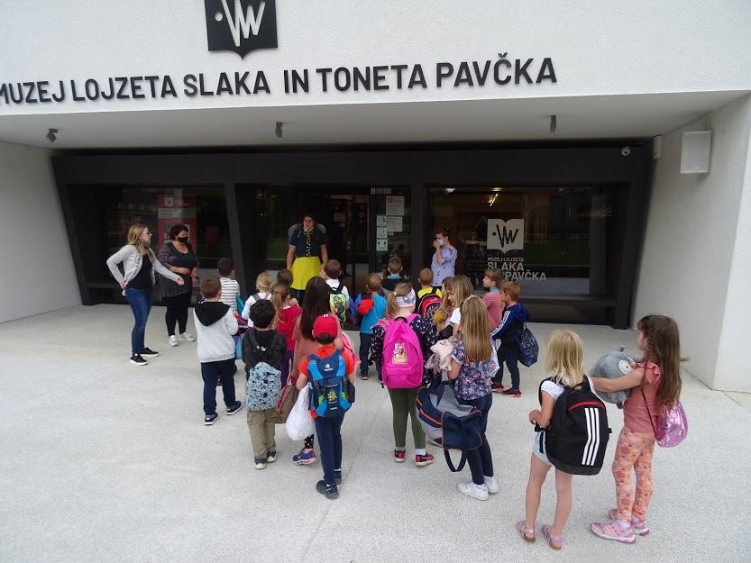 Otroci oddelka Komarji preživeli noč v Muzeju Lojzeta Slaka in Toneta Pavčka